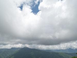 しらびそ高原初日は曇り