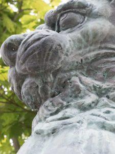 御嶽神社の狛犬「呍」