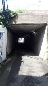 金沢八景駅付近のトンネル